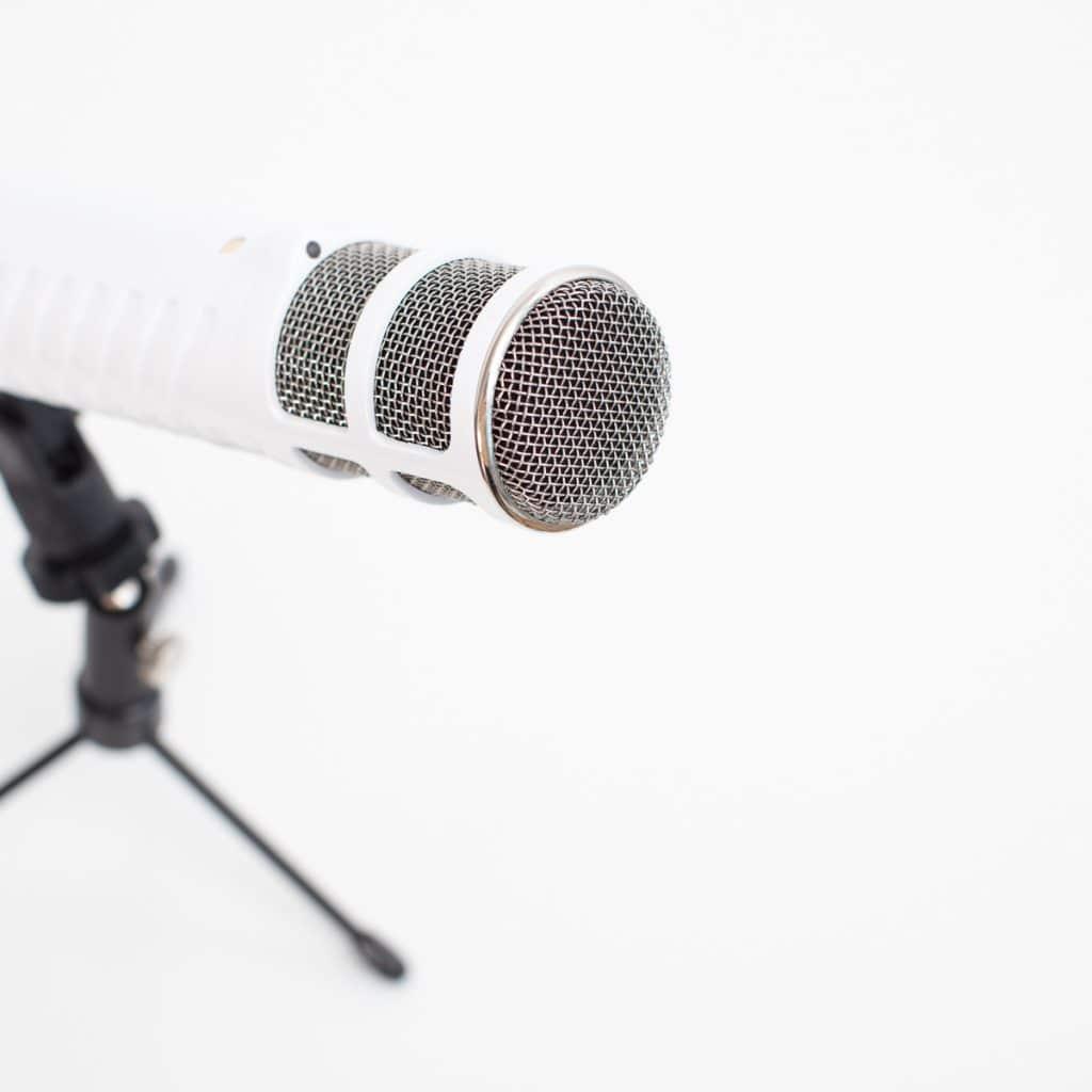 Cómo crear un Podcast (la guía paso a paso para emprendedoras)